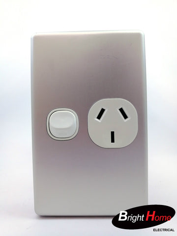 Slim series Single Vertical Switched Socket Outlet, 10A, 250Vac, silver  SGPO1V-WAL