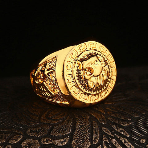 bright colored gold lion ring sideview
