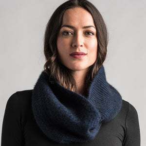 Textured Loop Scarf in Zephyr by Merinomink