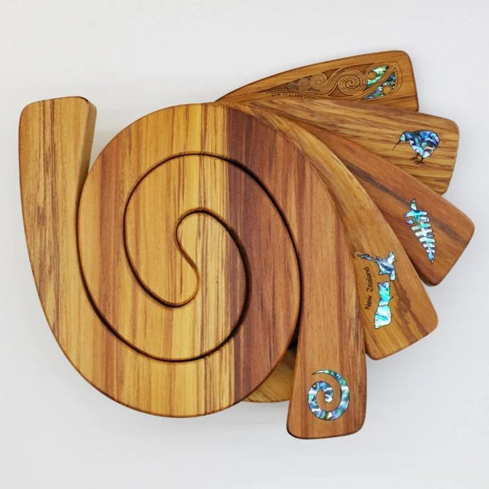 2 in 1 Rimu Tablemat with Paua Inserts