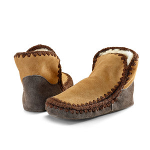 Snuggle feet sheepskin slippers in cinnamon