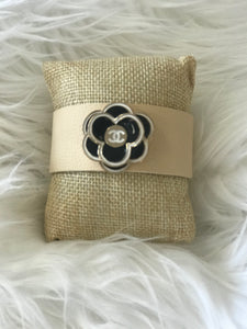 TS - Chanel Flower Button Wide Cuff