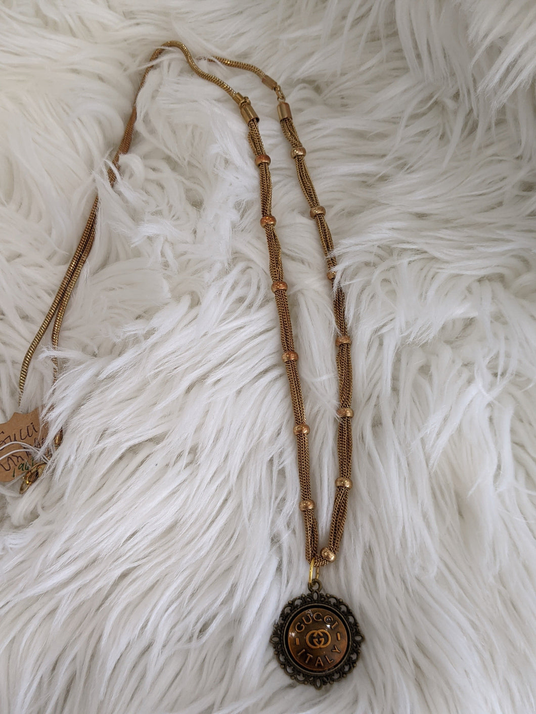 TS111 - Gucci on Vintage Chain