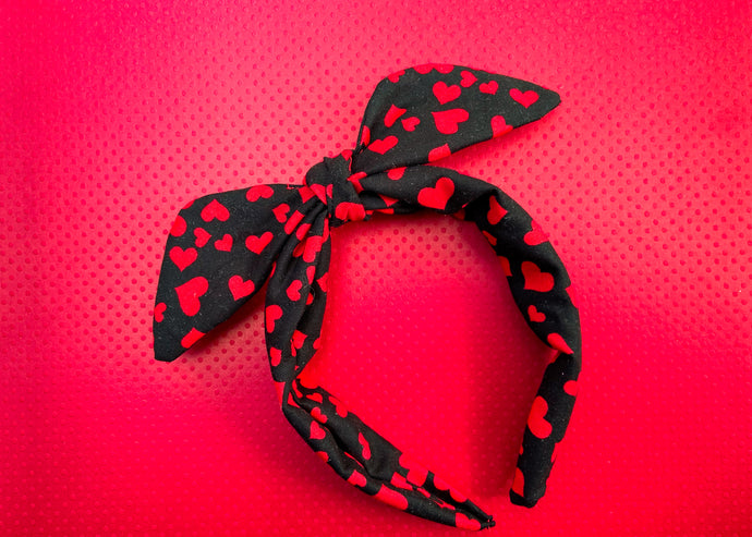 Black and red Hearts Knotted Bow