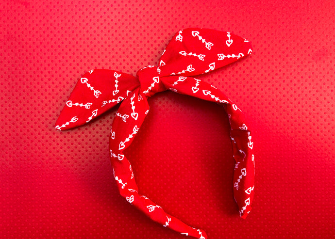 Cupid Knotted Bow