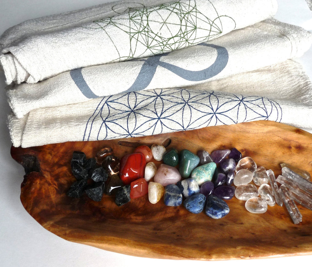 CRYSTAL HEALING KIT --- 38 stone set
