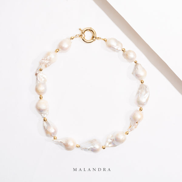 OSTRA PEARL NECKLACE