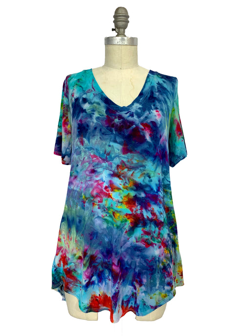 "Hand Dyed Slinky V-Neck Tunic with Short Sleeves - ""Daydream"" - Dyetology"