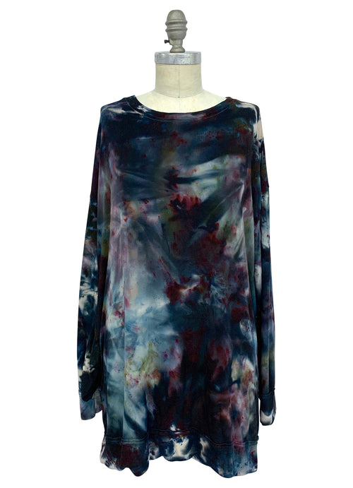"Tunic Sweatshirt with Pockets in ""A Night Out"" - Limited Release- 2X/3X - Dyetology"