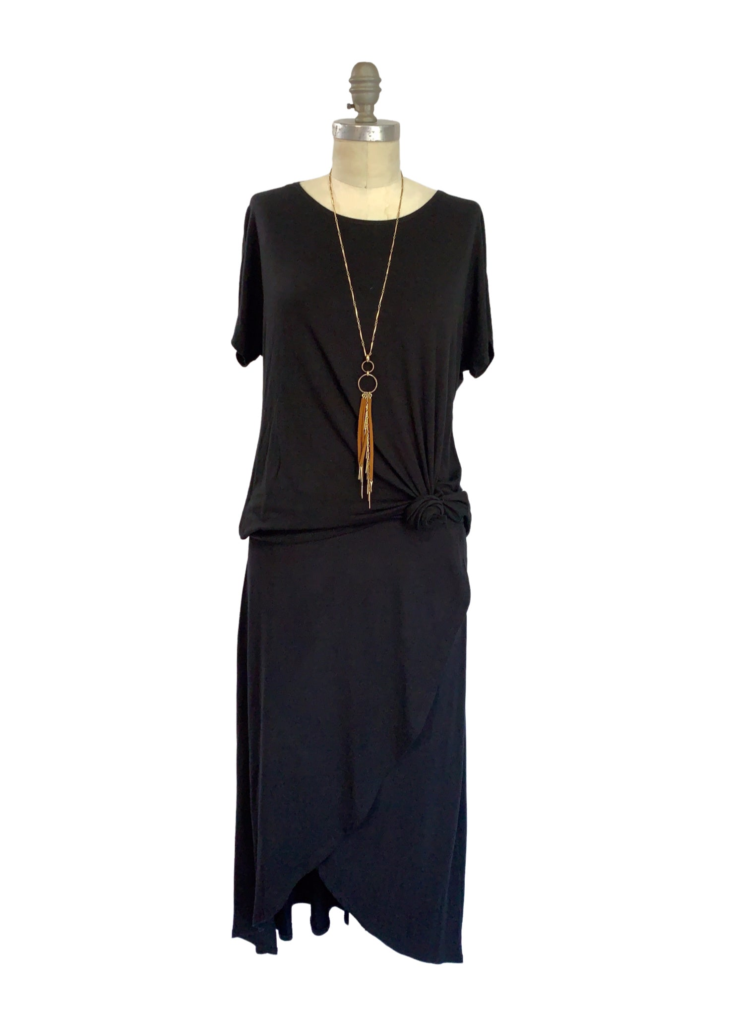 Short Sleeve Knit Tunic in Black
