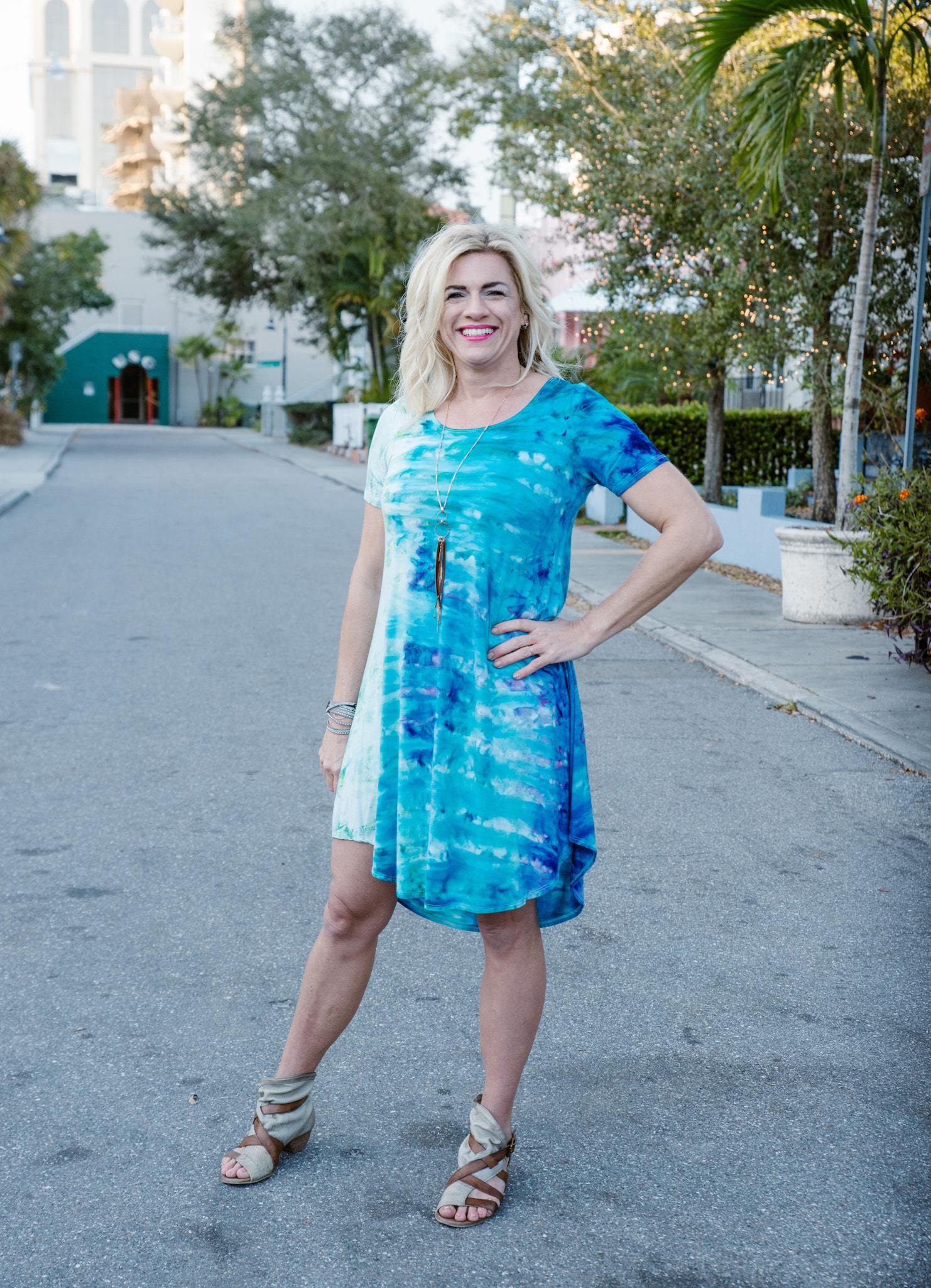 The Perfect Short Sleeve Dress in Bahama Mama - Dress - Dyetology