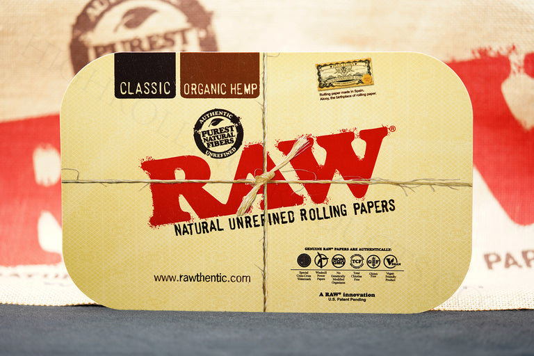 "Raw Black Rolling Paper Tray (7"" x 11"") With Raw Magnetic Tray Cover(7"" x 11"")"