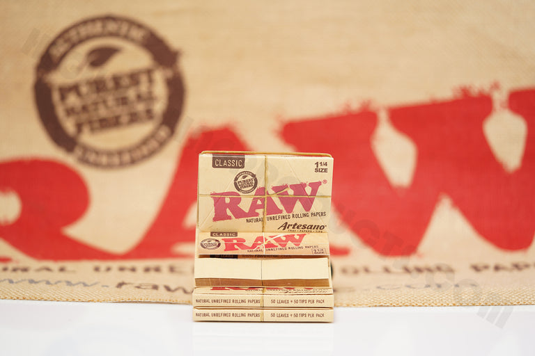 1x Full Box 15 Packs(50 Leaves And 50 Tips Per Pack) Authentic Raw Classic 1 1/4 Size Artesano Rolling Paper
