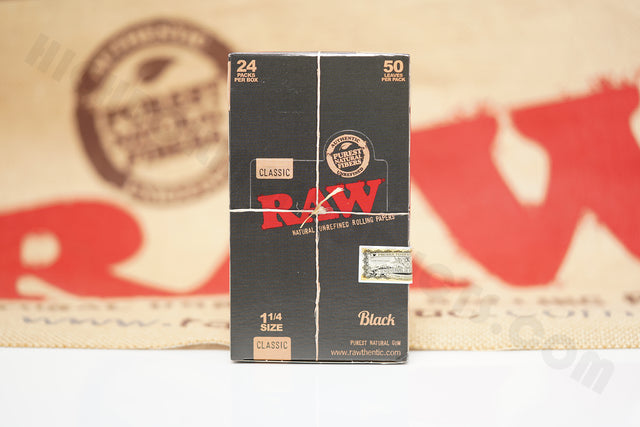 1x Full Box 24 Packs(32 in Each Pack) AUTHENTIC Raw Black 1 1/4 Rolling Paper
