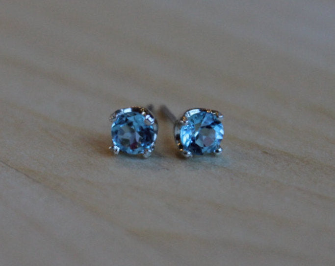 Faceted Swiss Blue Topaz, Small (Nickel Free, Hypoallergenic Argentium Silver Stud Earrings) - Pretty Sensitive Ears