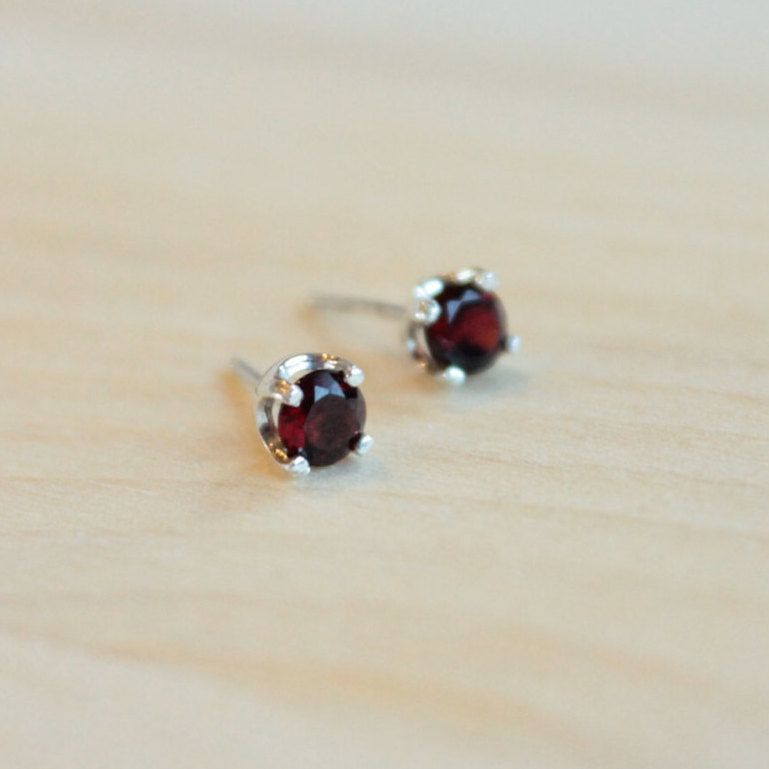 Garnet Faceted Gemstone, Small (Nickel Free, Hypoallergenic Argentium Silver Stud Earrings) - Pretty Sensitive Ears