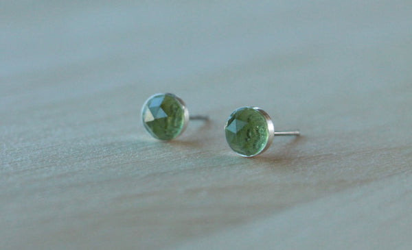 Rose Cut Peridot Bezel Gemstones, Large (Niobium or Titanium Post Earrings) - Pretty Sensitive Ears