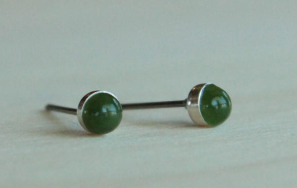 Nephrite Jade Bezel Gemstones, Small (Niobium or Titanium Stud Earrings) - Pretty Sensitive Ears