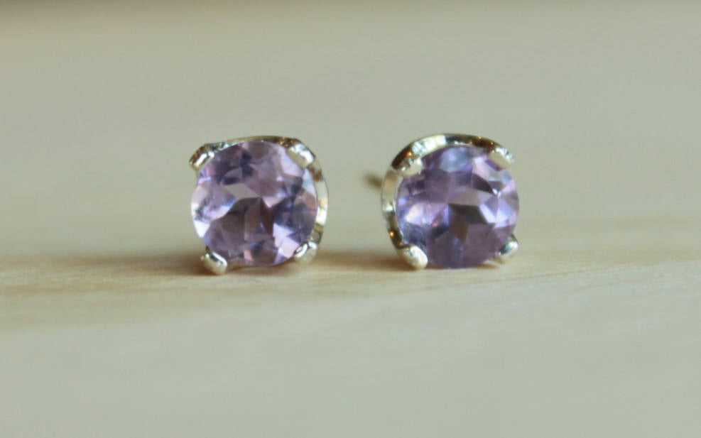 Light Amethyst Faceted Gemstone, Large (Nickel Free, Hypoallergenic Argentium Silver Stud Earrings) - Pretty Sensitive Ears