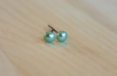 5mm Freshwater Green Pearls (Hypoallergenic - Your Choice of Nickel Free Niobium, Titanium, Surgical Steel for Sensitive Ears) - Pretty Sensitive Ears