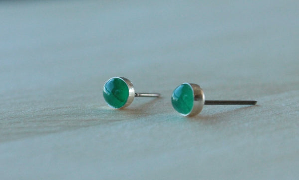 Emerald Bezel Gemstones, Med (Niobium or Titanium Post Earrings) - Pretty Sensitive Ears