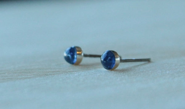 Kyanite Bezel Gemstones, Small (Niobium or Titanium Post Earrings) - Pretty Sensitive Ears