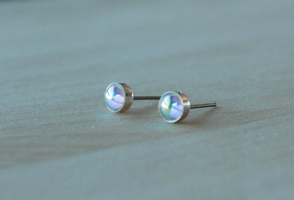 Aurora Borealis Swarovski Cabochon Bezel (Titanium or Niobium Post Earrings) - Pretty Sensitive Ears