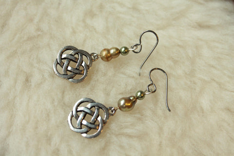 Celtic Knots Dangles (Niobium, Titanium, Surgical Steel Earrings) - Pretty Sensitive Ears