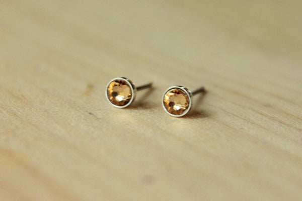 Light Colorado Topaz Crystal Bezels (Titanium or Niobium Stud Earrings) - Pretty Sensitive Ears