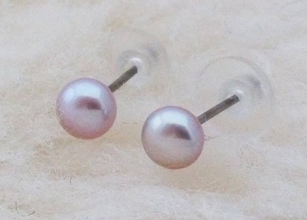 Classic Purple Pearls, Large (Niobium, Titanium, or Surgical Steel Stud Earrings) - Pretty Sensitive Ears