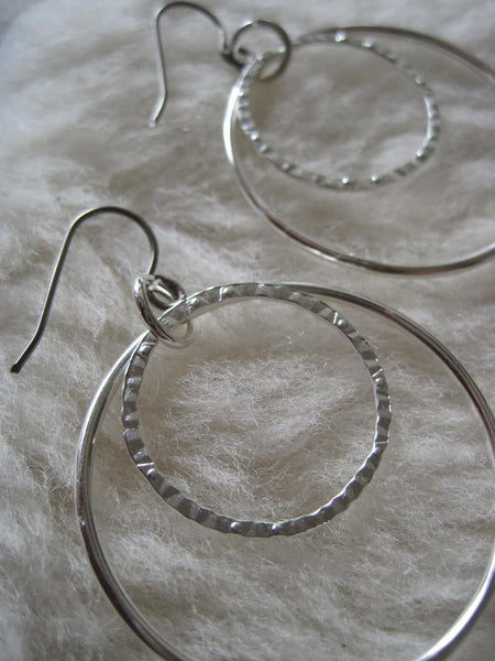Two Loops (Titanium or Niobium or Surgical Steel Earrings) - Pretty Sensitive Ears