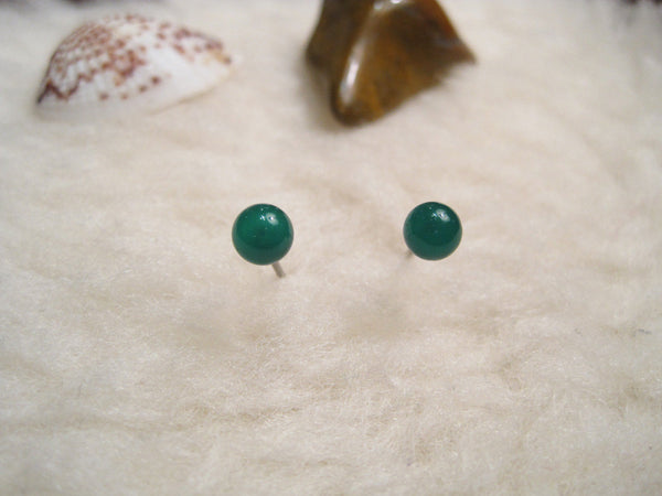 Green Onyx Gemstones, Med (Niobium, Titanium, or Surgical Steel Stud Earrings) - Pretty Sensitive Ears