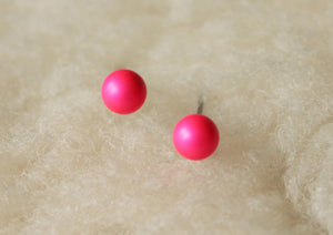 Neon Pink Swarovski Pearls (Niobium / Titanium / Surgical Steel Post Earrings) - Pretty Sensitive Ears