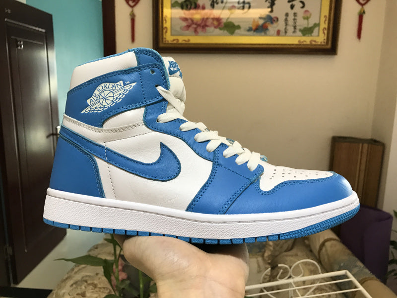 "Air Jordan 1 Retro High OG ""UNC"" 555088-117"