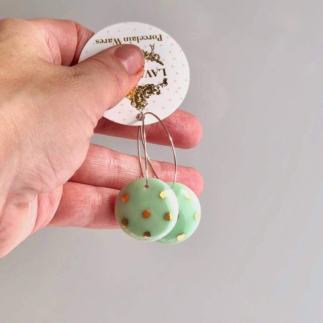 Dangle earrings green Polka