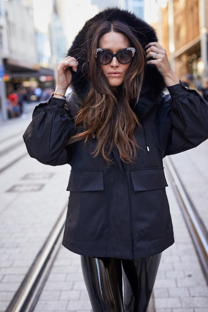 Lexi Short Parka Onyx - Mode & Affaire