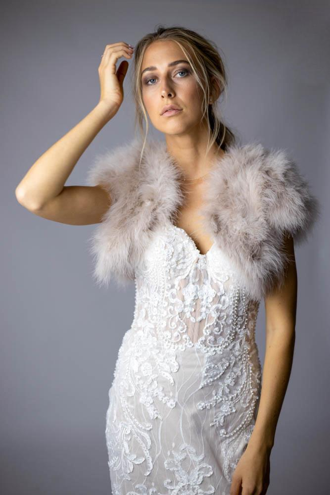 Plume Blush Feather Bolero - Mode & Affaire