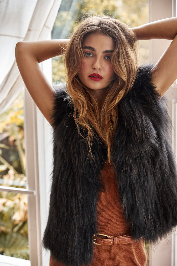 Sylvie Cropped Fur Vest in Onyx - Mode & Affaire