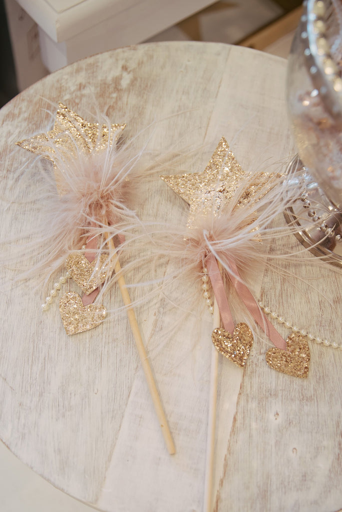 Twinkle Twinkle Star Wand in Gold - Mode & Affaire