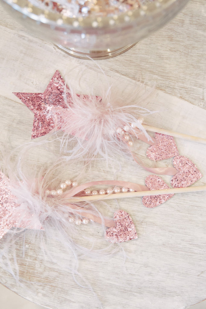 Twinkle Twinkle Star Wand in Pink - Mode & Affaire