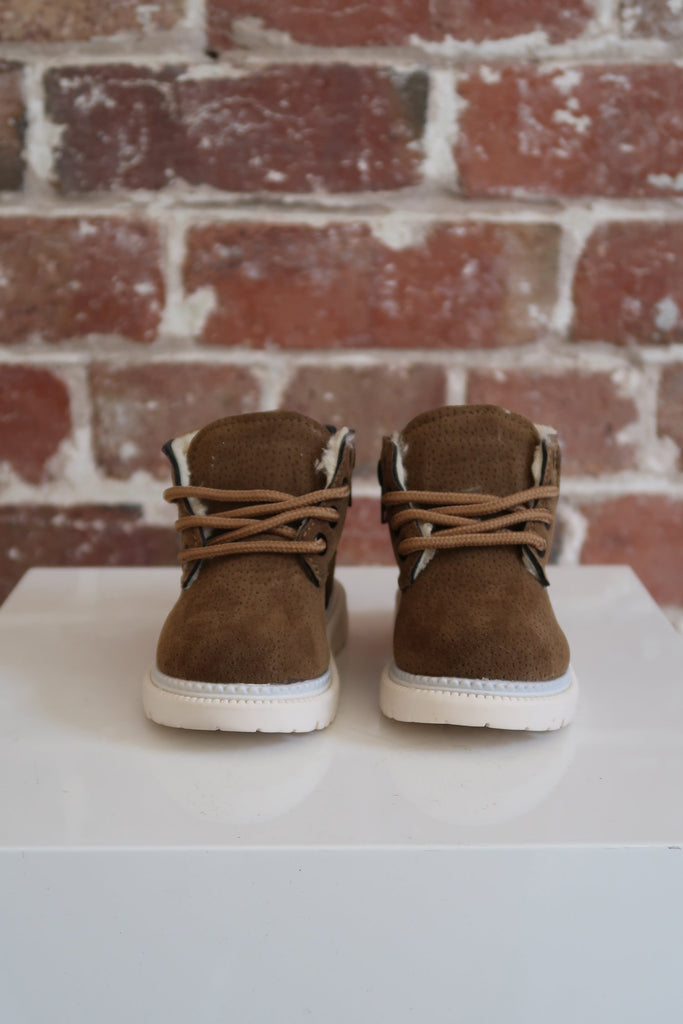 Kids Desert Boots in Tan - Mode & Affaire