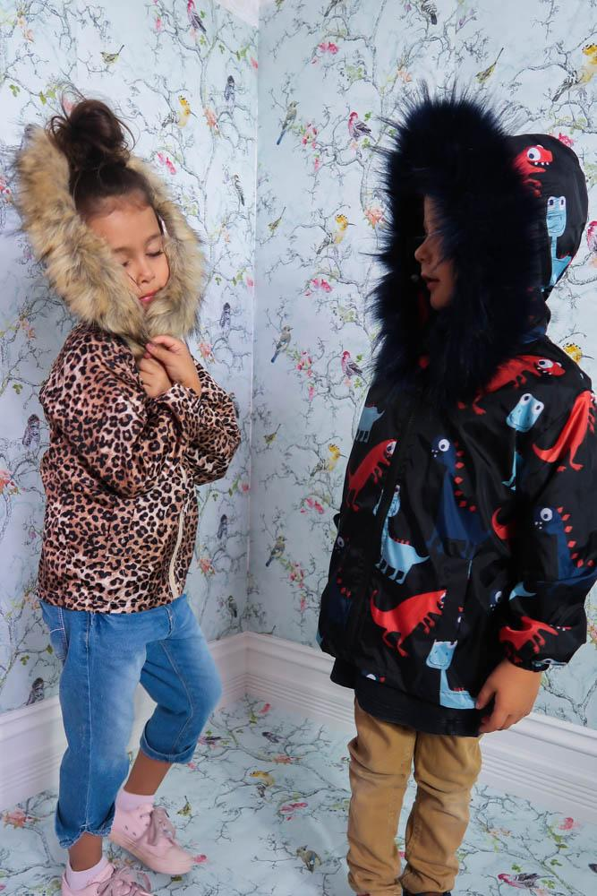 Kids Spray Jacket in Dino - Mode & Affaire