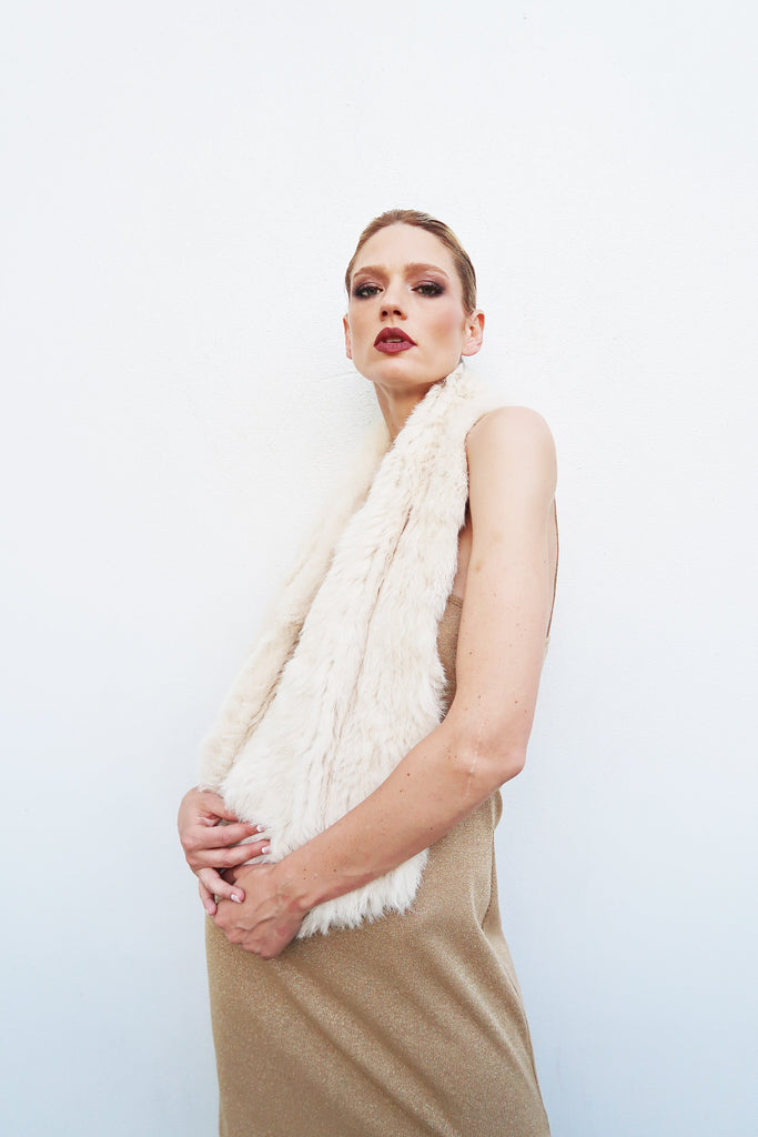 Infiniti Furry Scarf in Shell - Mode & Affaire