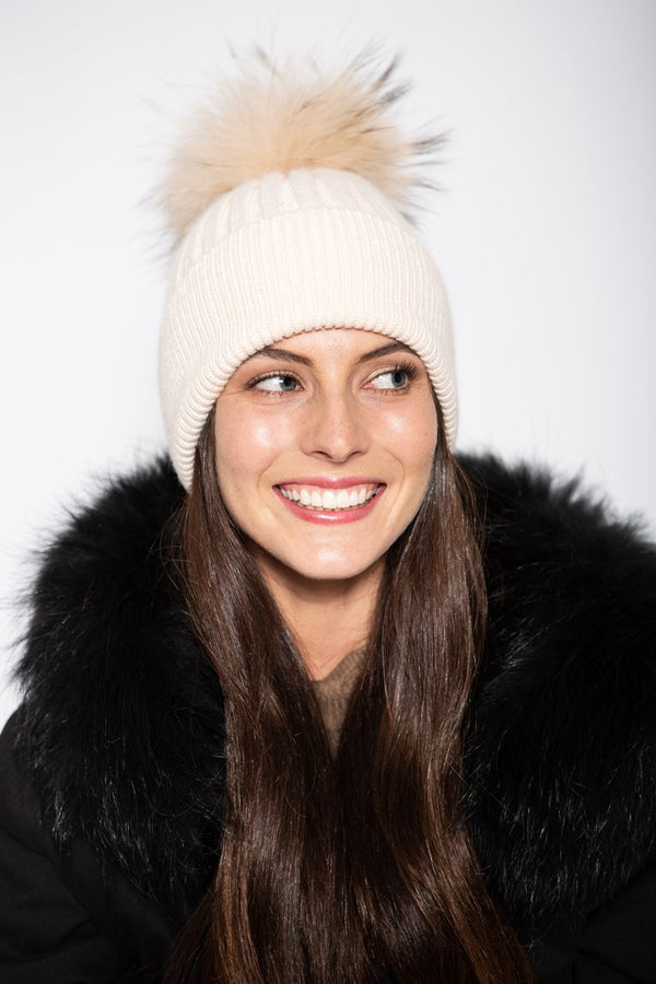White Beanie with Pom Pom in Au Naturel - Mode & Affaire