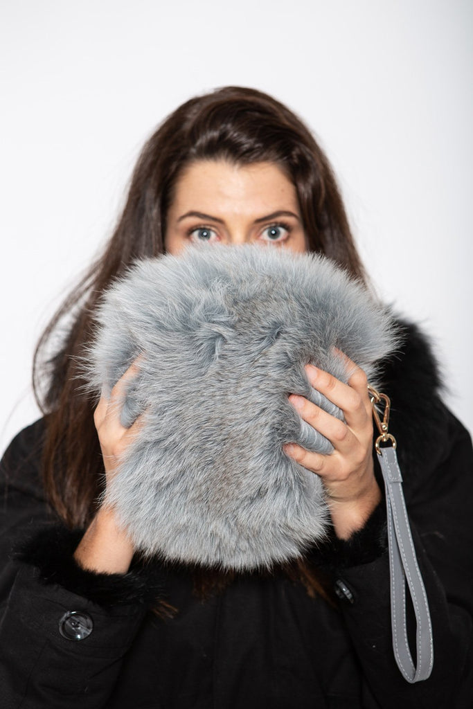 Fluffy Circle Bag in Pewter - Mode & Affaire