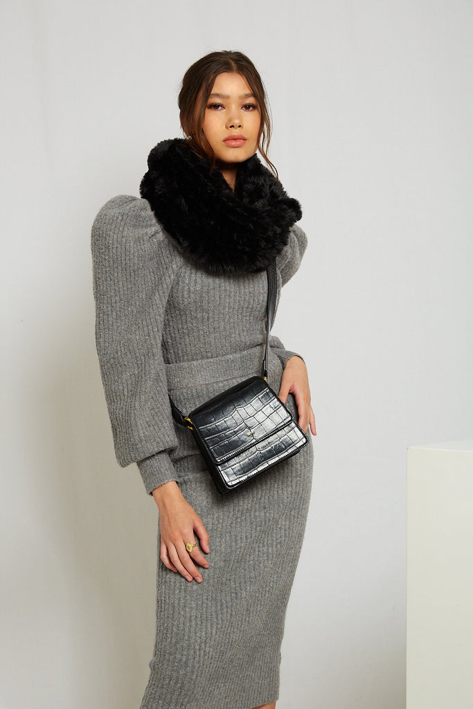 Infiniti Faux Fur Scarf in Onyx - Mode & Affaire