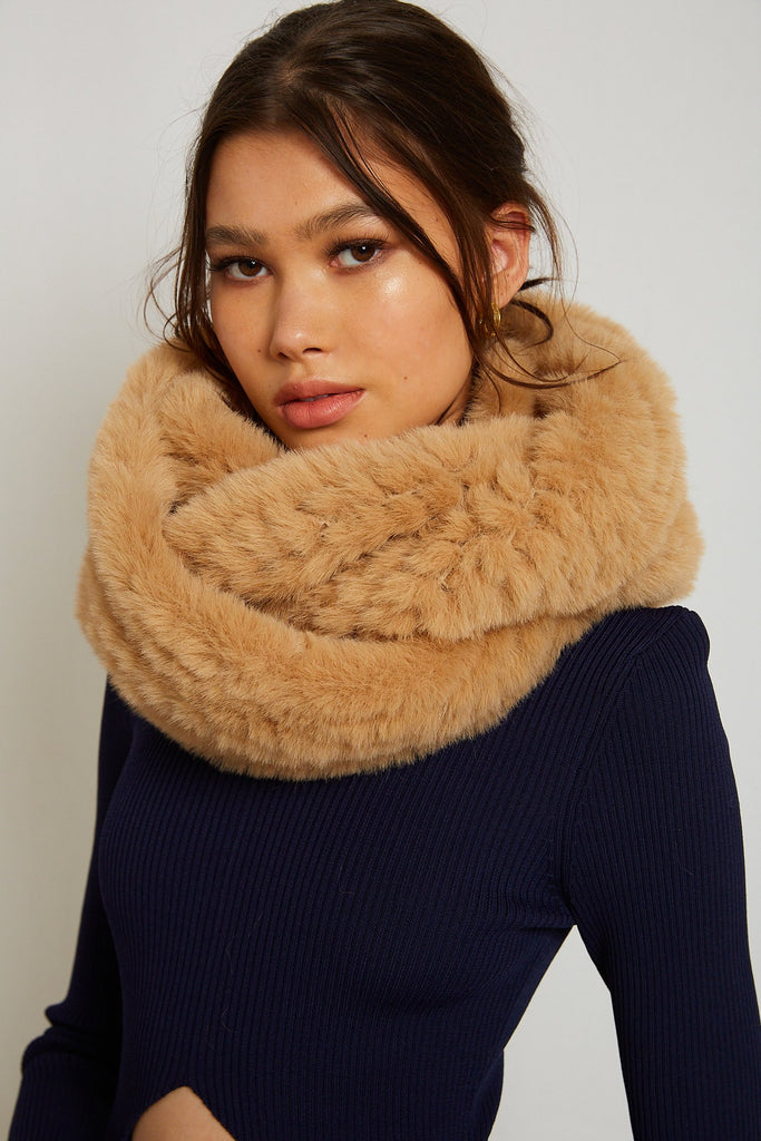 Infiniti Faux Fur Scarf in Latte - Mode & Affaire
