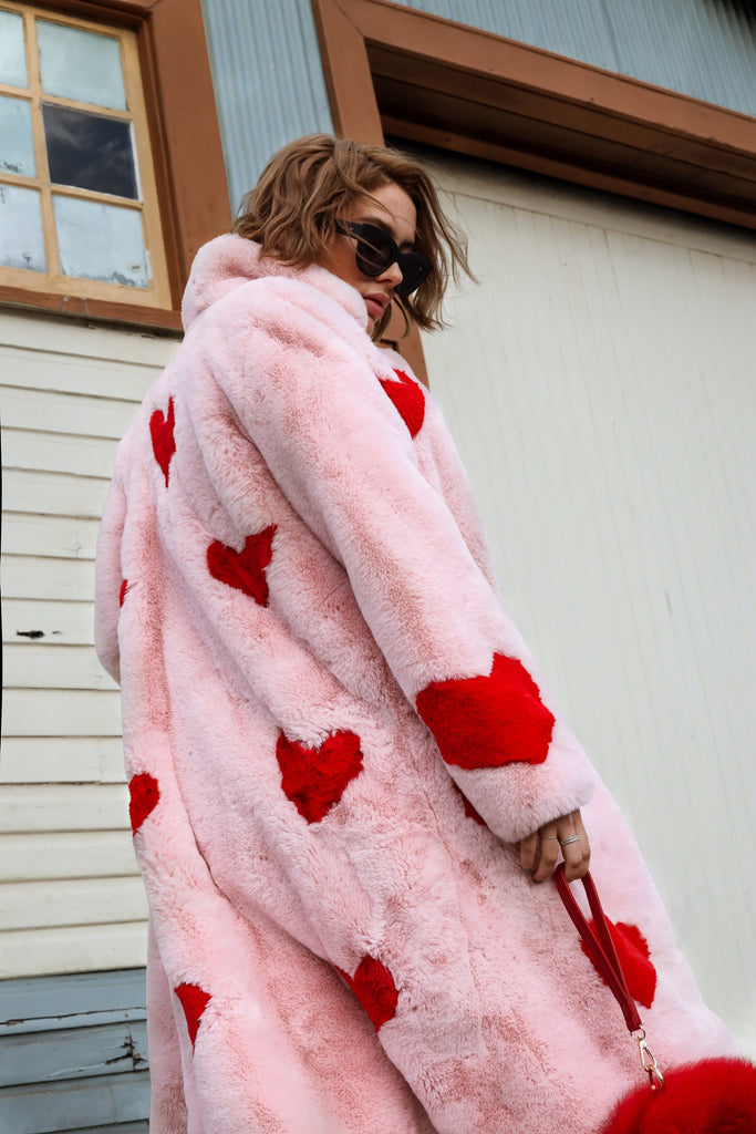 Queen Of Hearts Faux Coat - Mode & Affaire