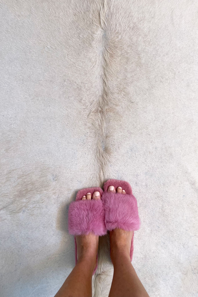 Fluffy Slippers in Rose - Mode & Affaire