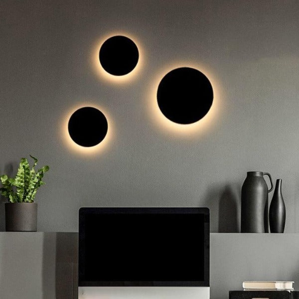 Modern Architectural LED Wall Light Indoor or Outdoor in Black or White